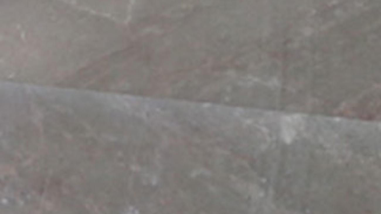 Kadhel gris sassi (1)